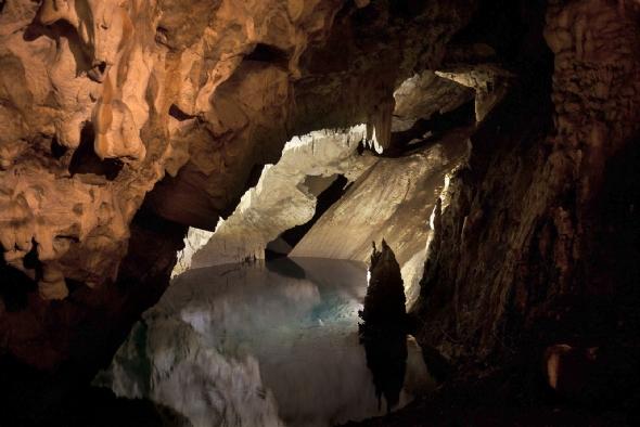 Пештера во Матка